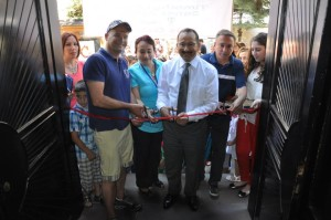 The ribbon cutting ceremony at the student art exhibition in Ordu, Turkey with the Mayor and Timothy Lomas.